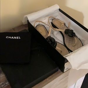 Chanel flower thong sandal